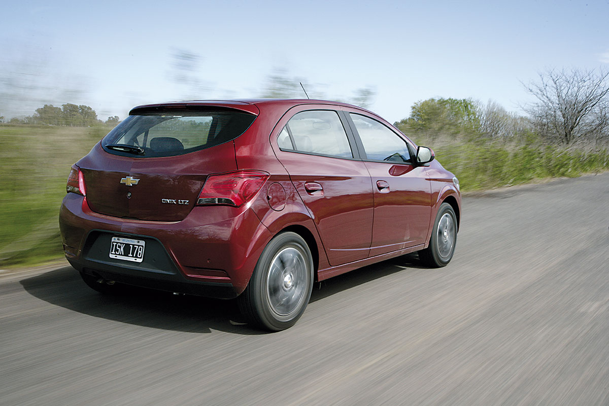 info for pretty cheap sneakers for cheap Chevrolet Onix LTZ AT