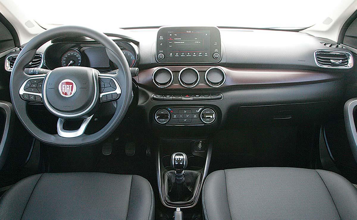 Fiat Cronos Precision Premium interior