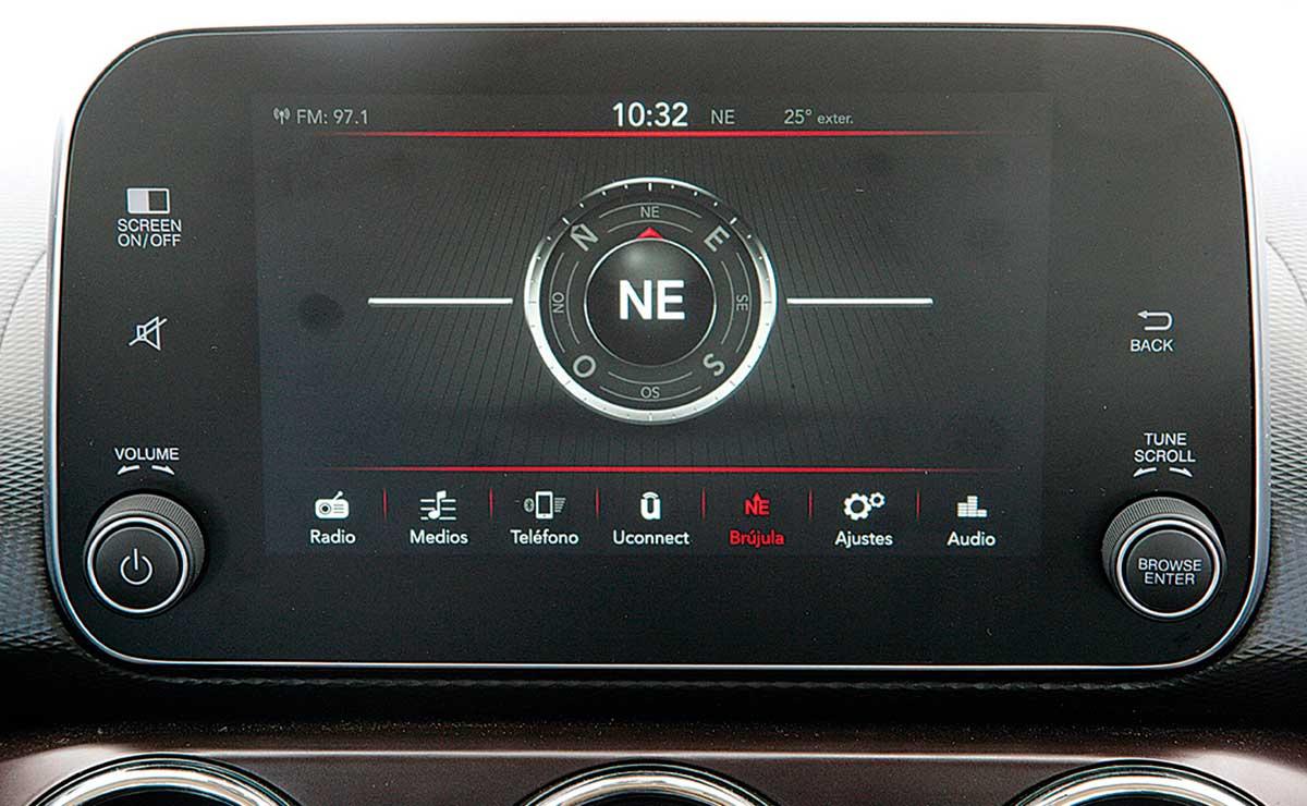 Fiat Cronos Precision Premium pantalla