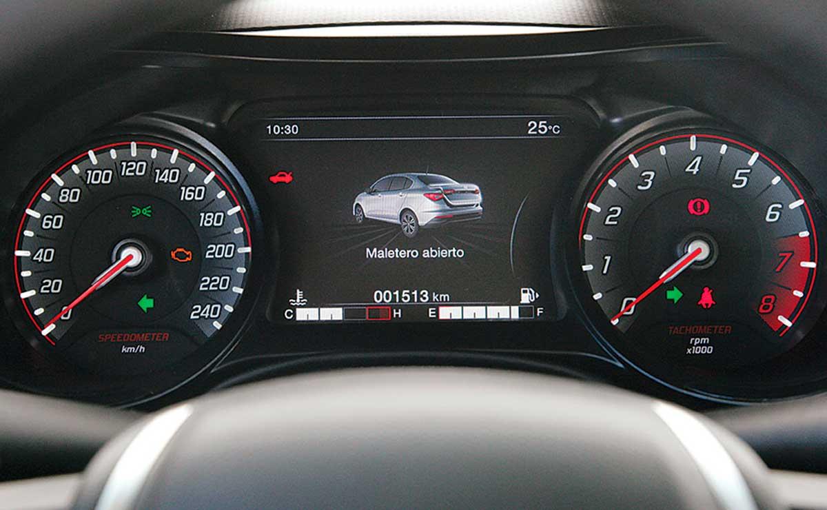 Fiat Cronos Precision Premium tablero