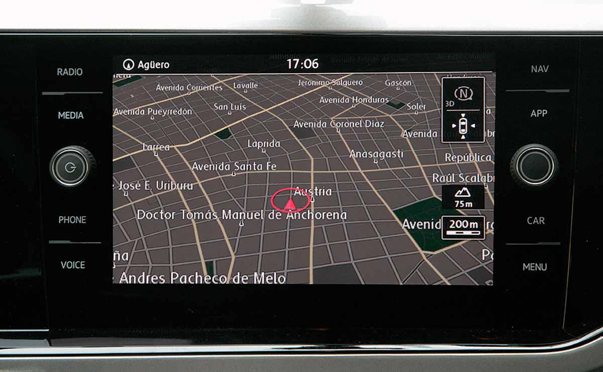 Volkswagen Polo Highline navegador