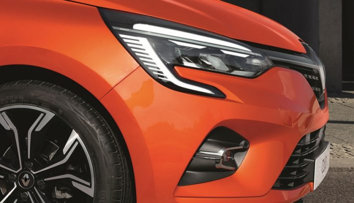 21221455 2019   New Renault CLIO