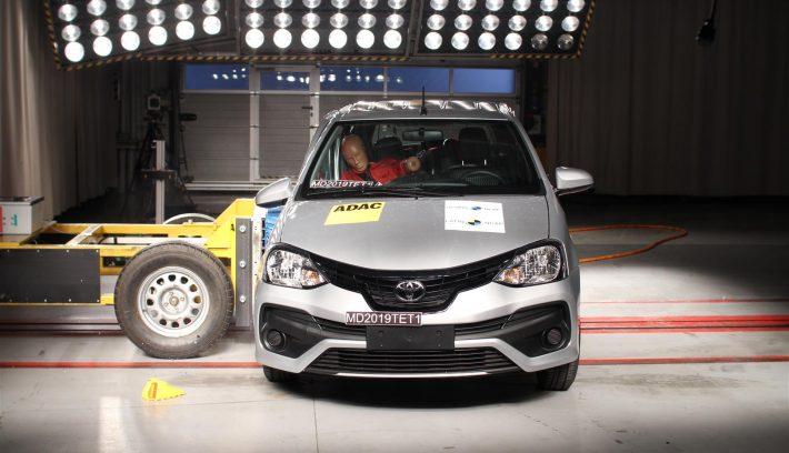 Toyota Etios  2 Airbags 1