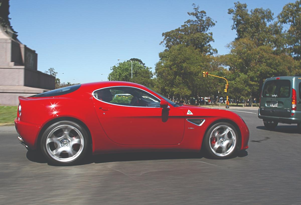 Alfa Romeo 8C ciudad