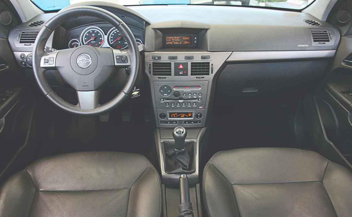 Chevrolet-Vectra-interior