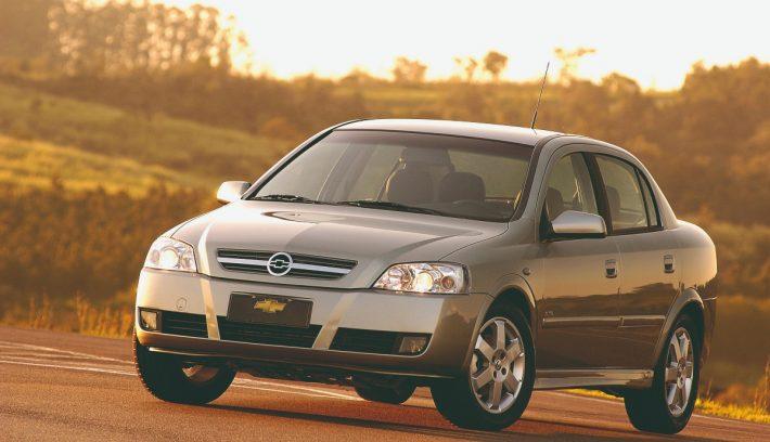 Chevrolet astra apertura