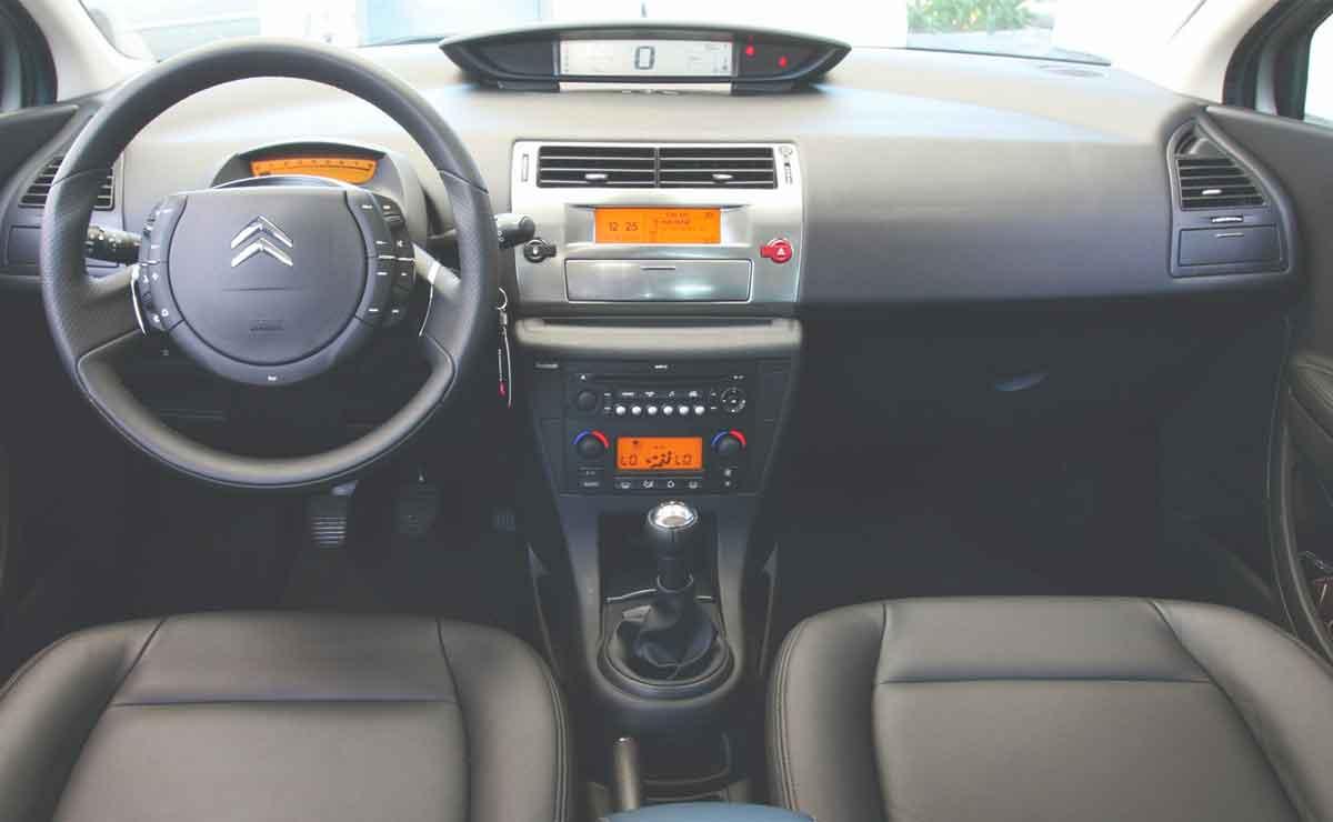 Citroen-C4-interior