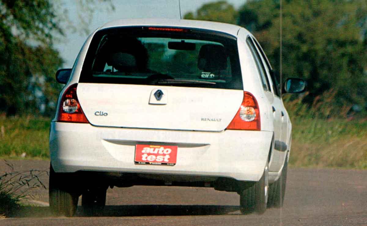 Renault-Clio-2-cola