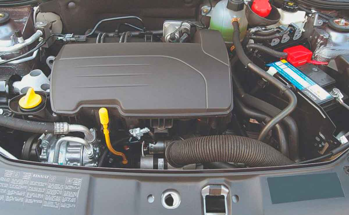 Renault-Clio-motor