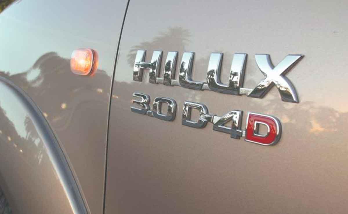 Toyota-Hilux-emblema