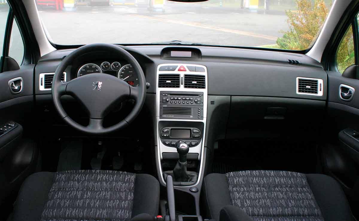 Peugeot-307-interior