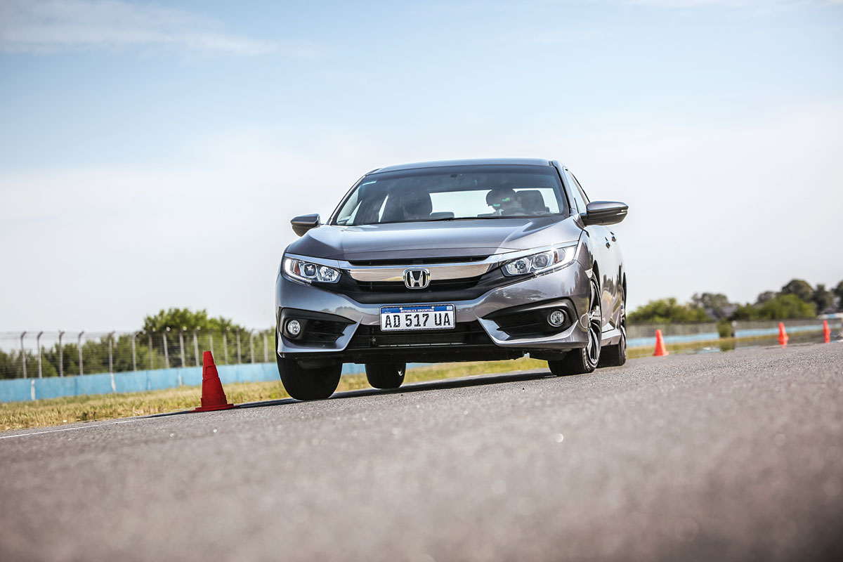 Honda Civic Master Test slalom