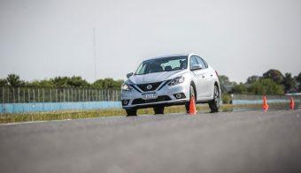 Nissan Sentra Master Test slalom