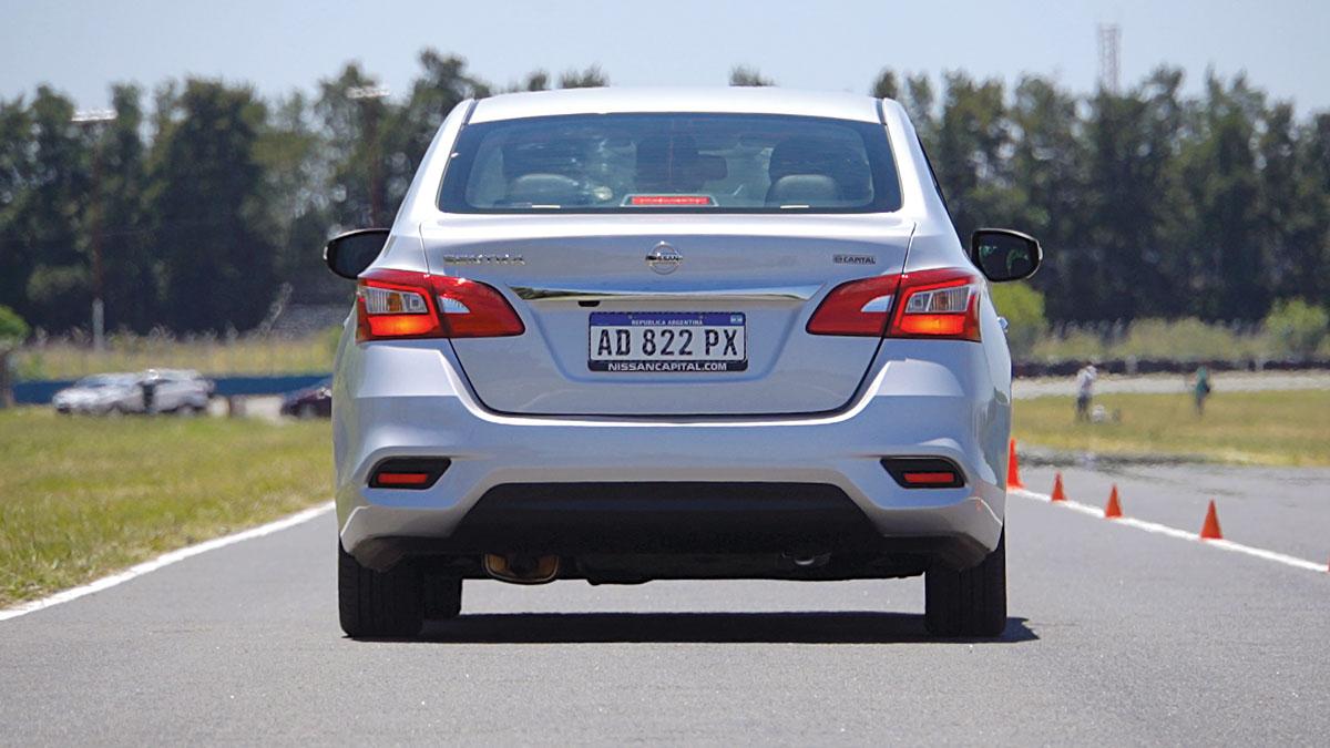 Nissan Sentra Master Test stop