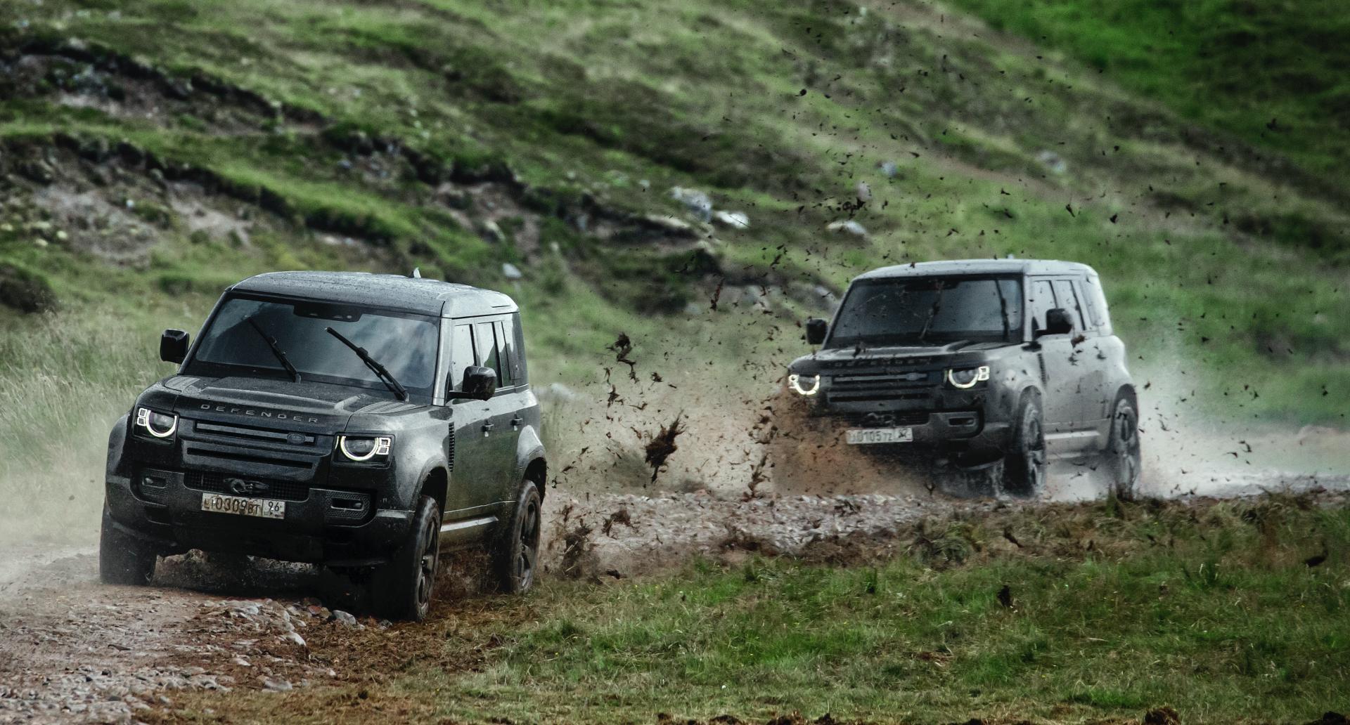 Land Rover Defender stunts No Time To Die 7