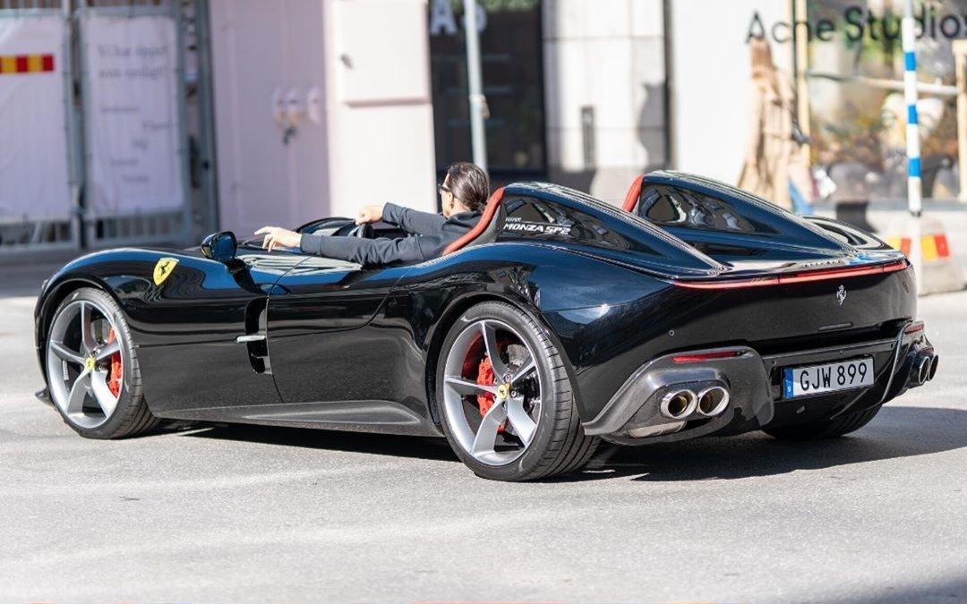 Ibrahimovic Ferrari 1