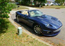 Jaguar convertido en Aston Martin 2