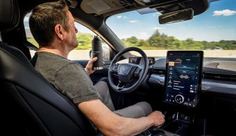 Ford Mustang Active Drive Assist