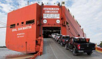 Nissan Frontier embarque puerto