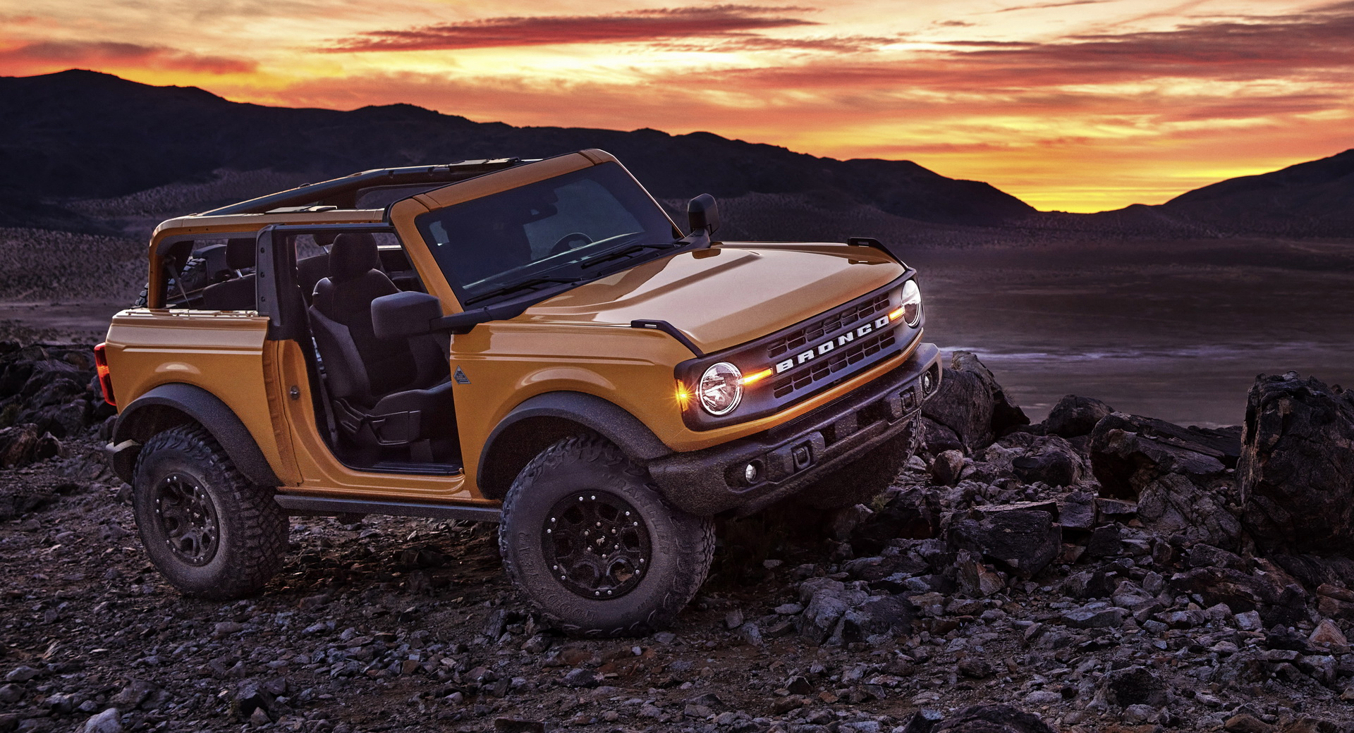 2021 Ford Bronco 01 2