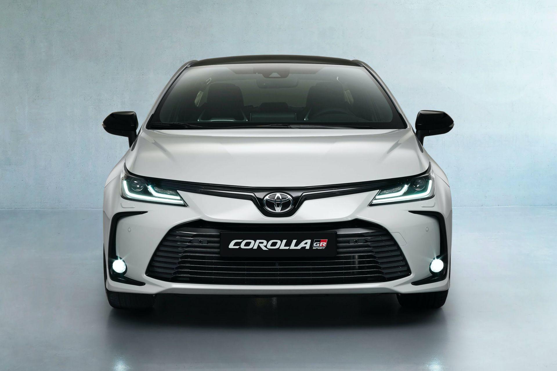 2021 Toyota Corolla Sedan GR Sport European spec 12