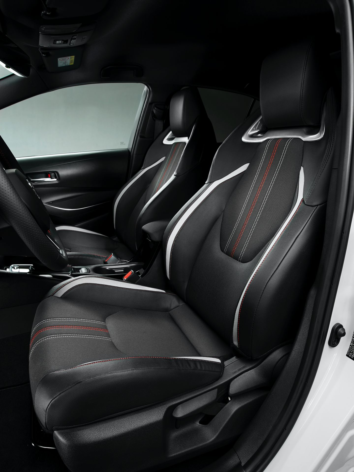 2021 Toyota Corolla Sedan GR Sport European spec 4
