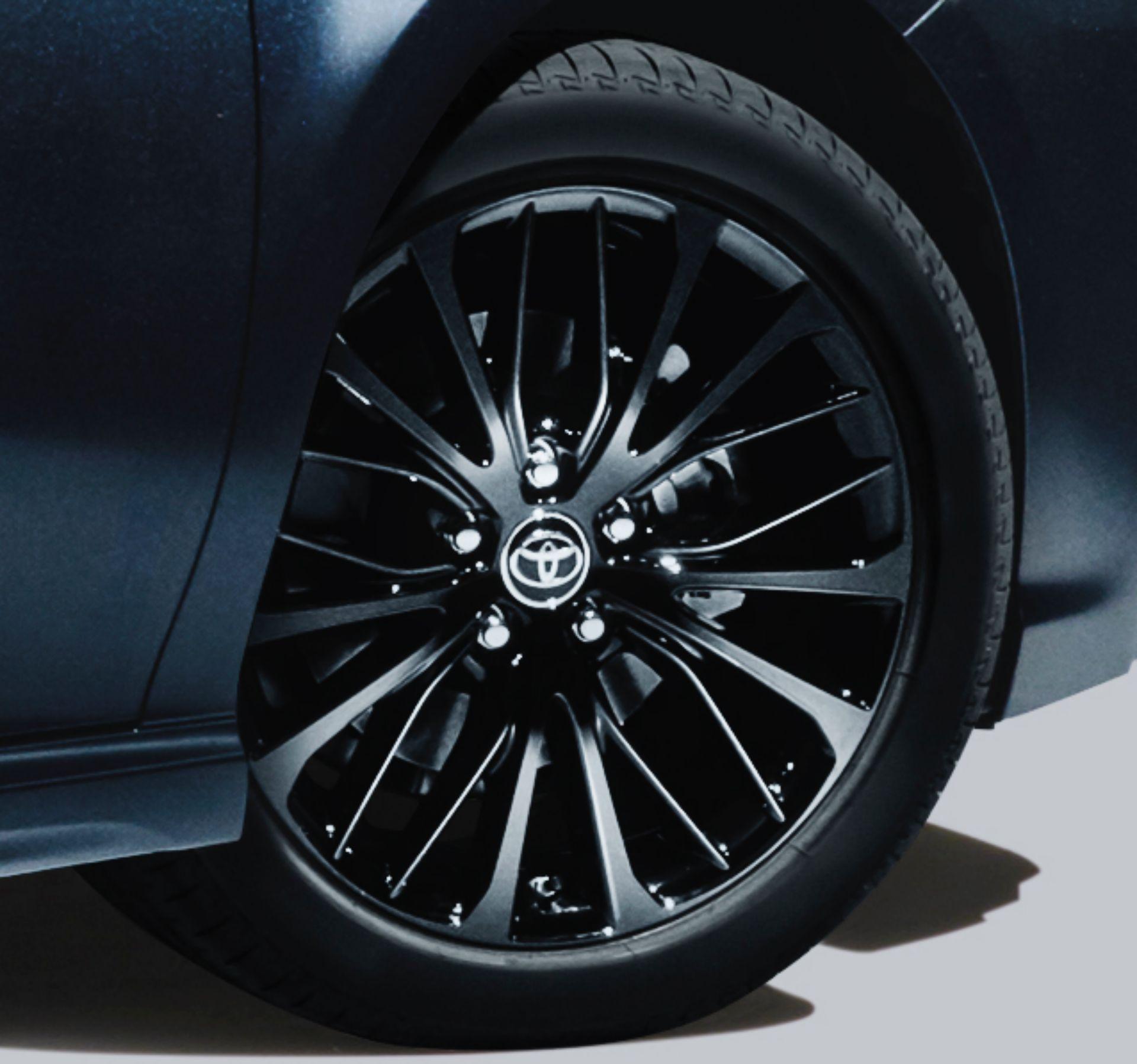 2020 Toyota Camry Black Edition JDM spec 4