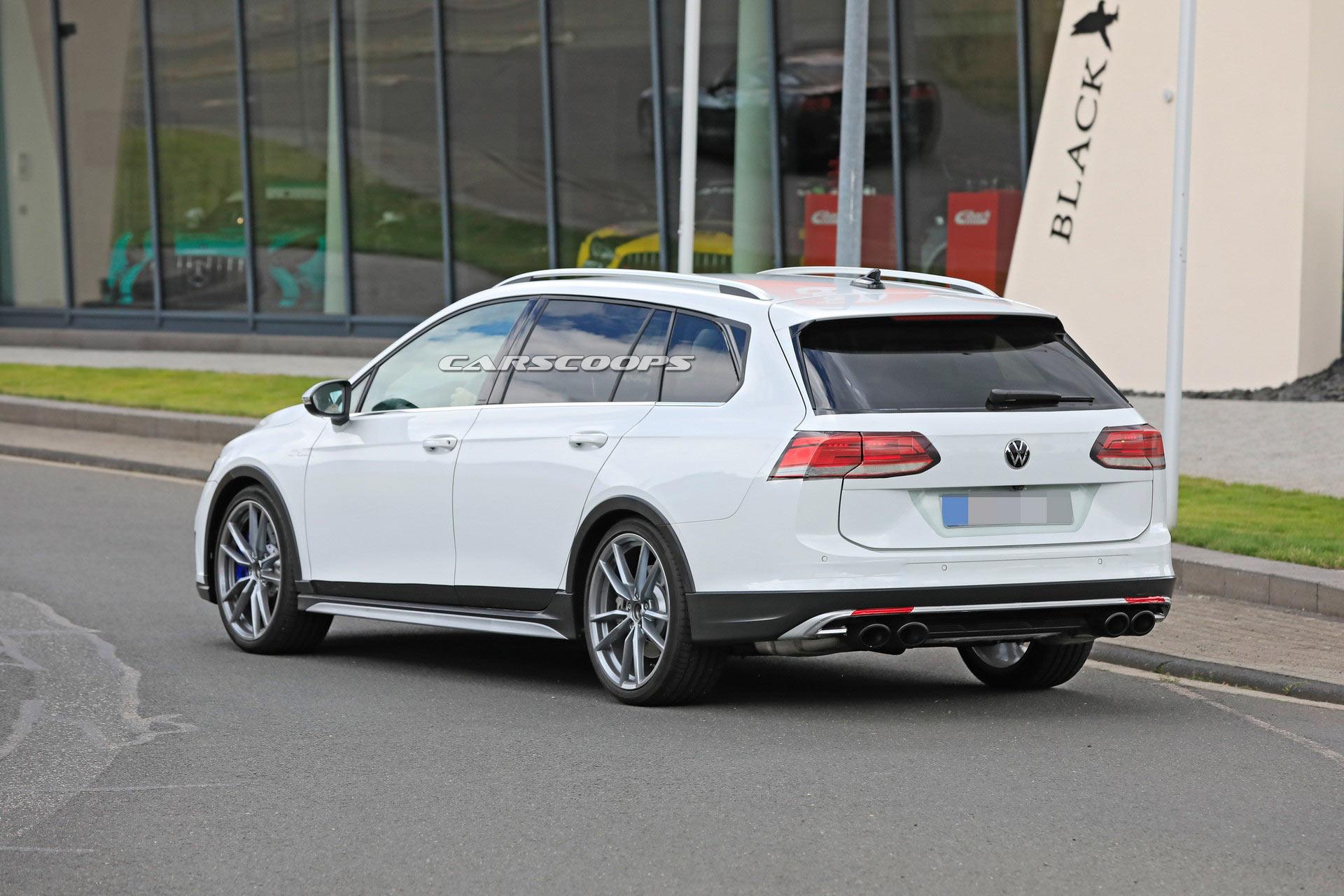 2021 VW Golf R Estate 12