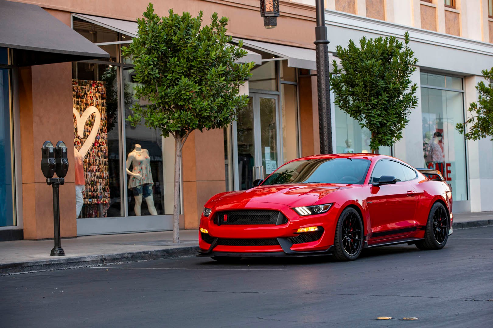 Shelby GT350 Signature Edition 1