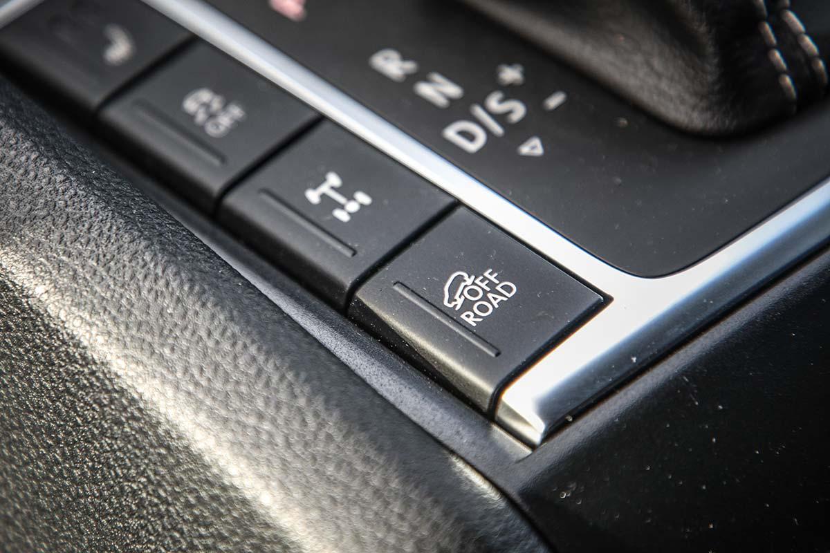 Volkswagen Amarok V6 13