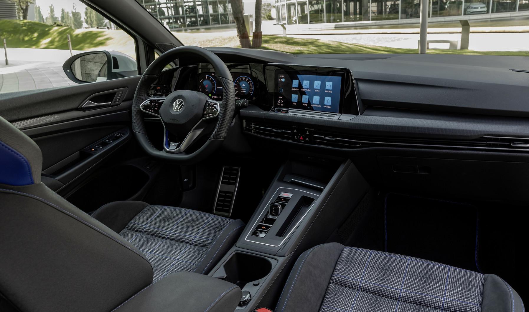 VW GOLF GTE 9