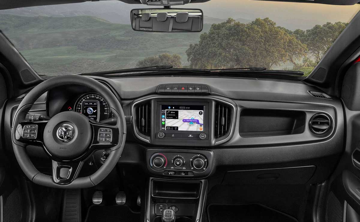 RAM 700 interior