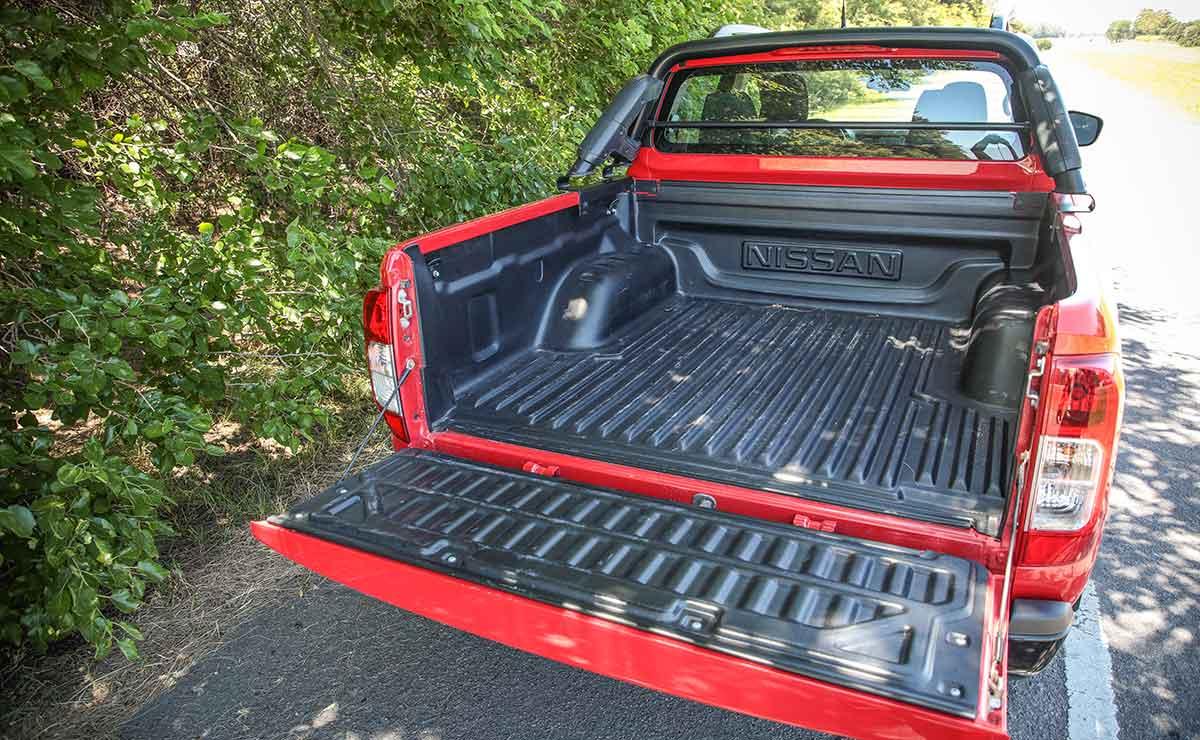 Nissan Frontier X Gear 16