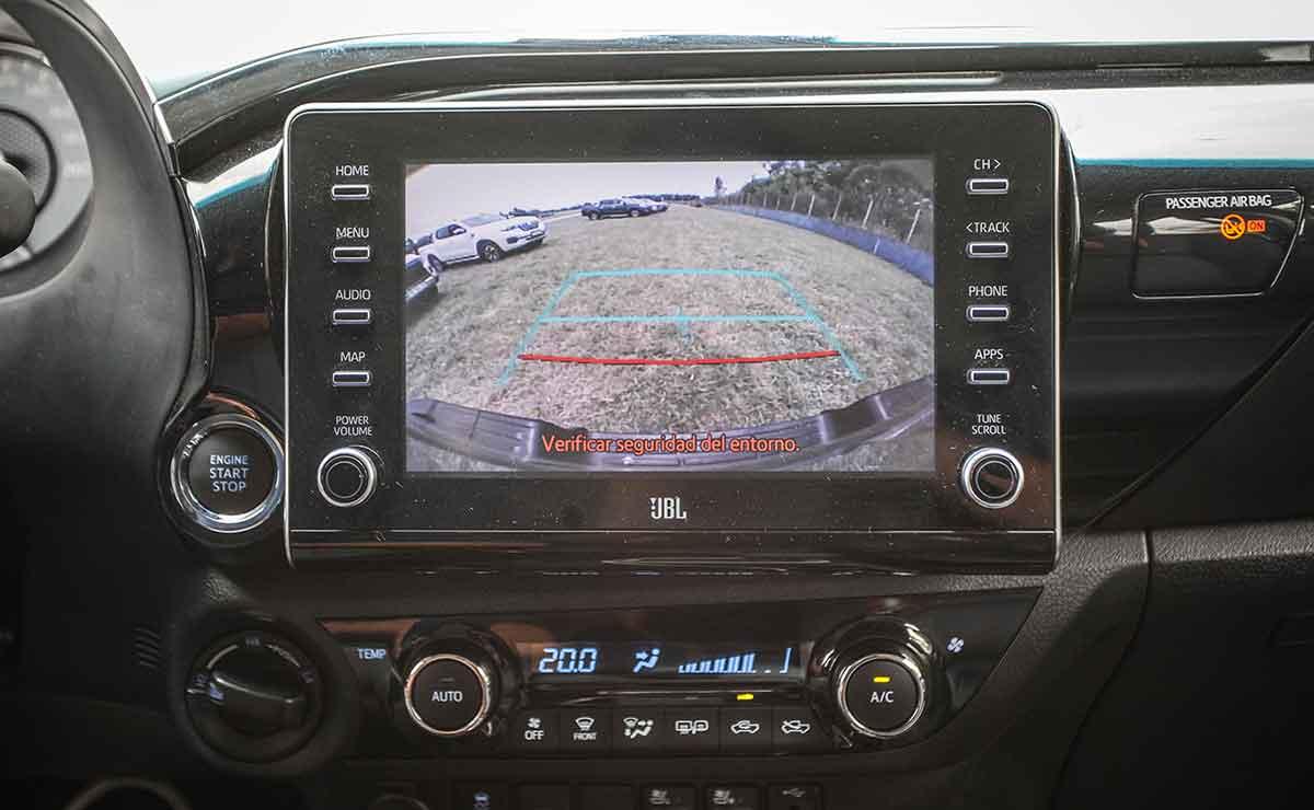 Toyota Hilux 2021 19