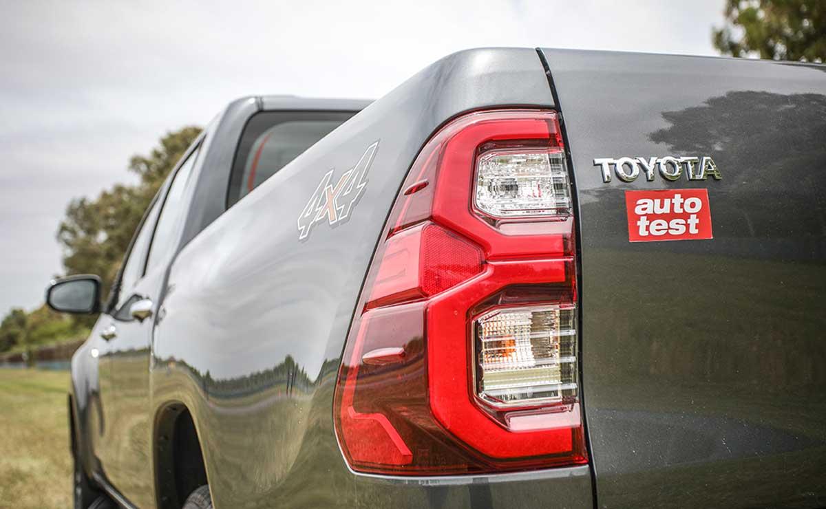Toyota Hilux 2021 26