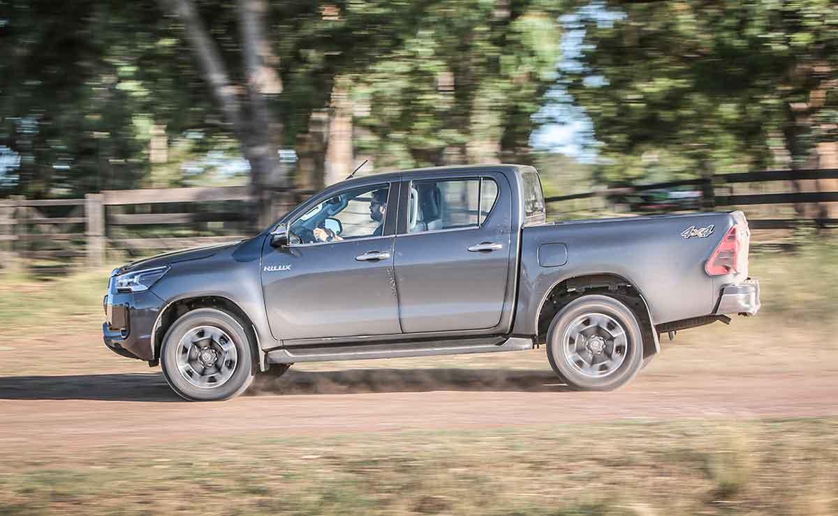 Toyota Hilux 2021 7