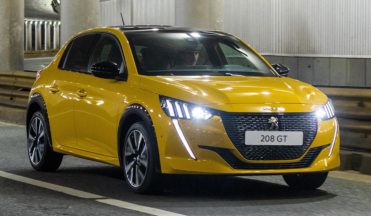 PEUGEOT 208 GT 8