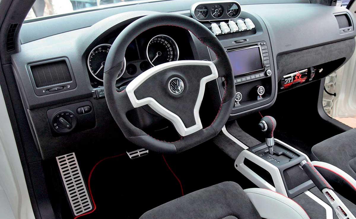 VOLKSWAGEN GOLF GTI W12 INTERIOR