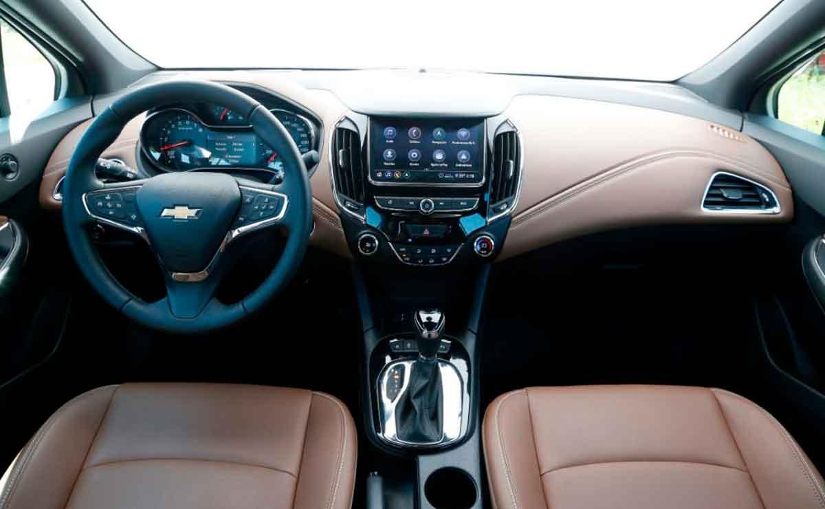 Chevrolet-Cruze-interior
