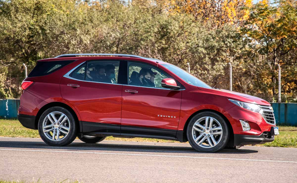 Chevrolet-Equinox-lateral
