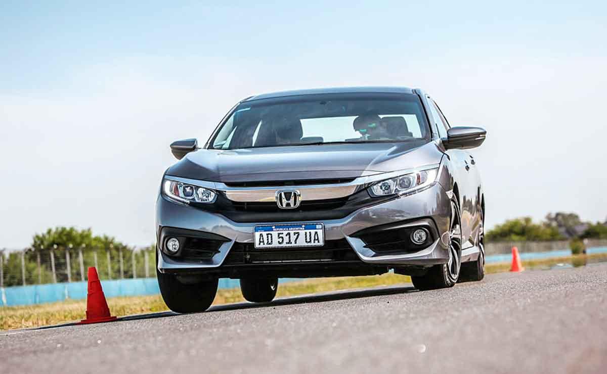 Civic-cual-es-el-mediano-con-mejor-rendimiento-de-combustible-en-la-ciudad