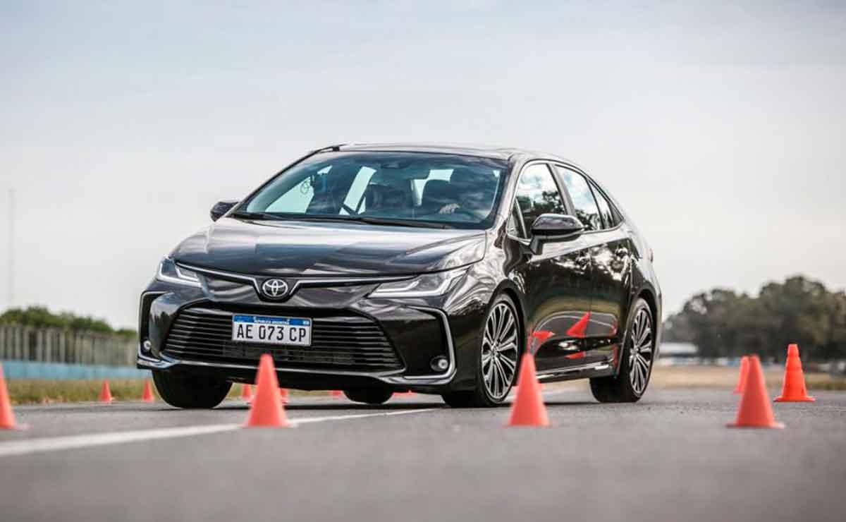 Corolla-cual-es-el-mediano-con-mejor-rendimiento-de-combustible-en-la-ciudad