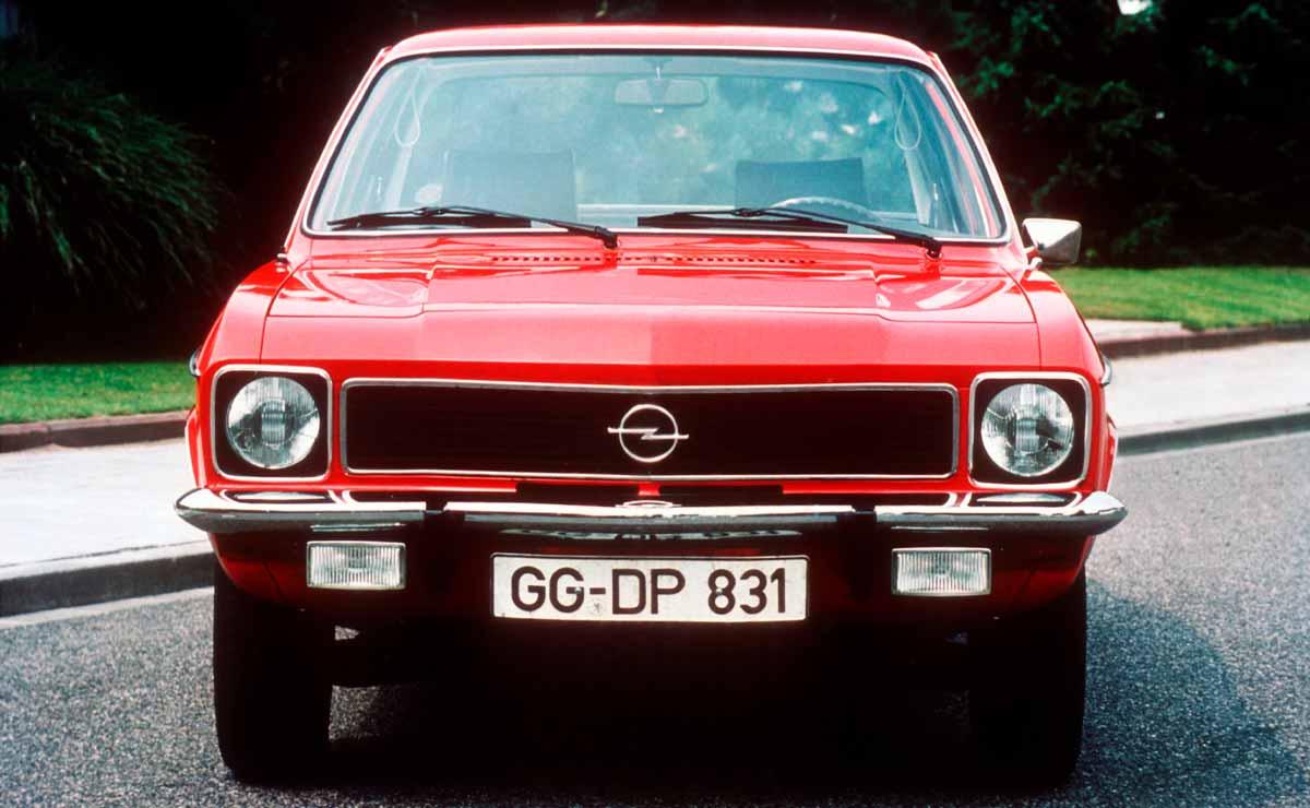 Opel ascona cobertura carreras frente