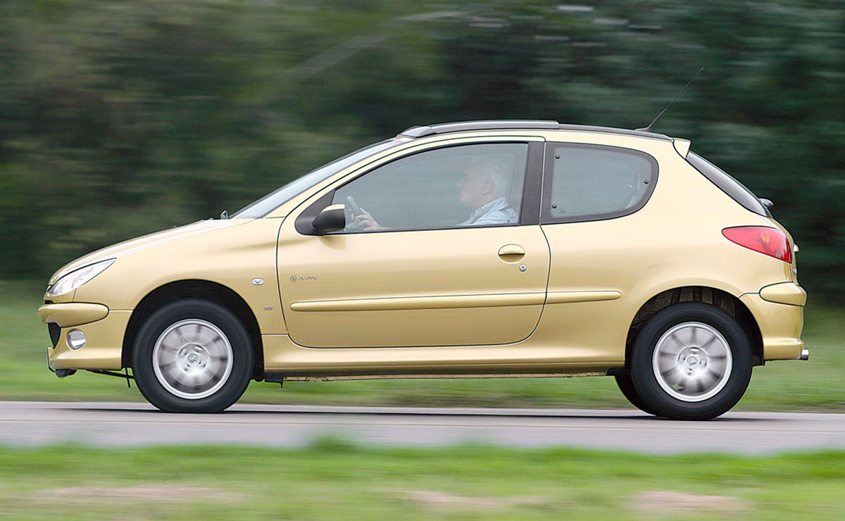 PEUGEOT-206-HDI-lateral