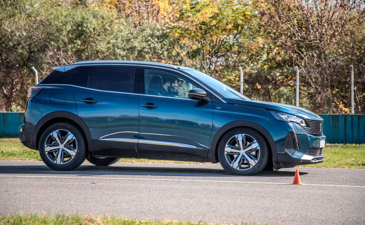 Peugeot-3008-lateral