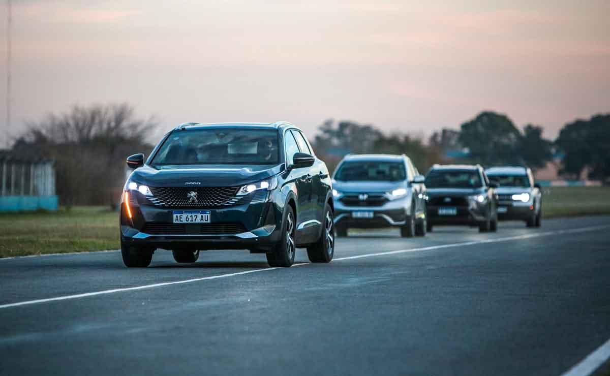 Peugeot-3008-y-competidores