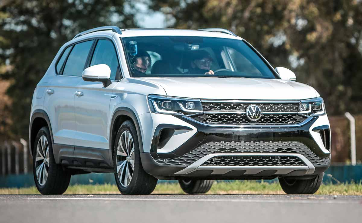VW Taos Frente