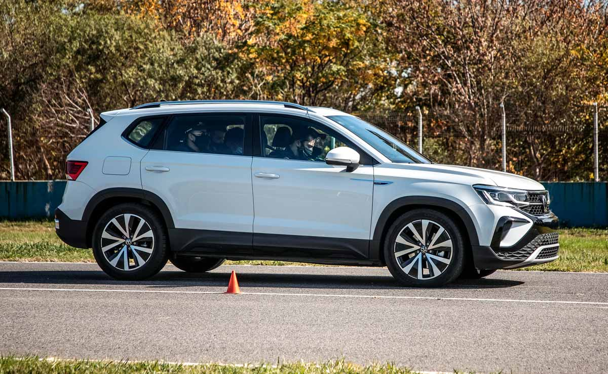 VW Taos lateral