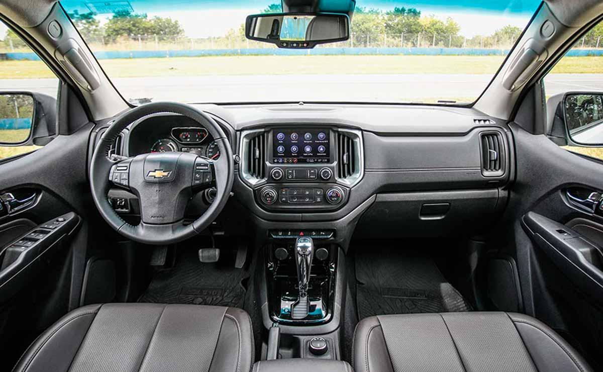 chevrolet S10 2021 interior