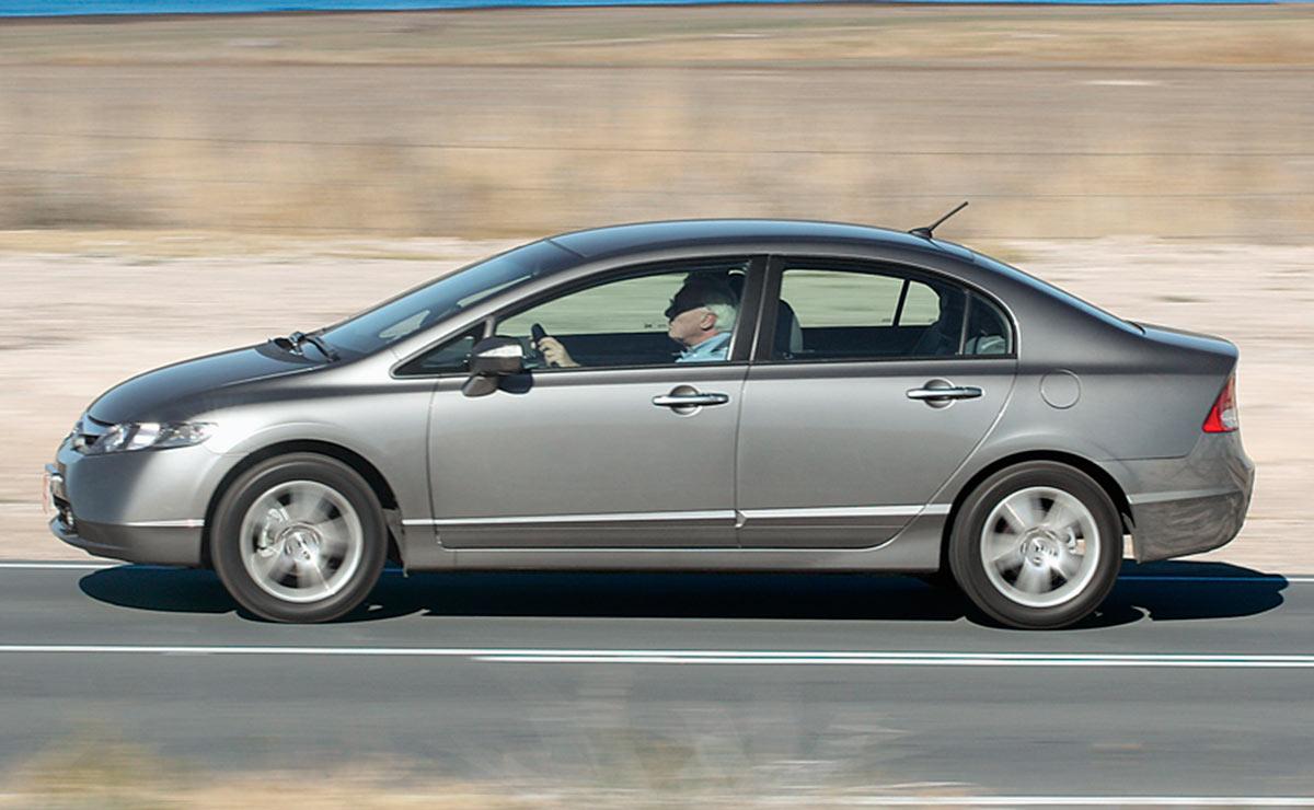 Honda Civic lateral